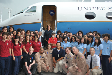 UAVSAR team with students on Costa Rica deployment